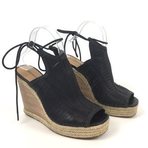 Lucky brand leather woven wedge sandal peep toe